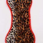 Sottociotola a forma di osso fantasia animalier leopardata double face